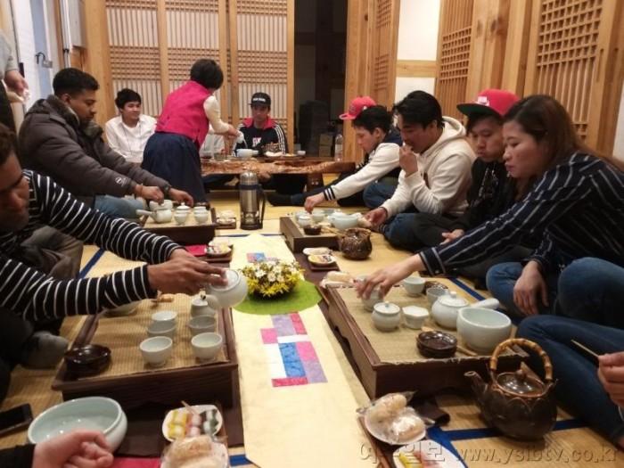 3. 외국인주민 한국문화체험(1).jpg