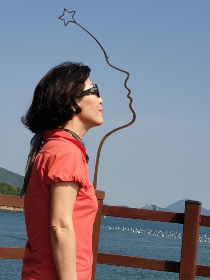 3-1여수여행예술의%20섬%20장도-%20여인동상%20속으로.jpg