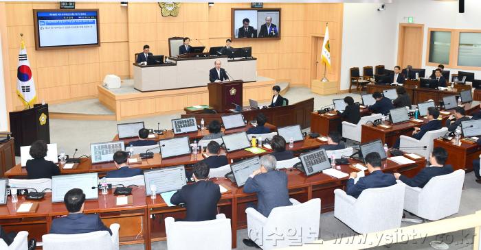 [크기변환]여수시의회김행기.png