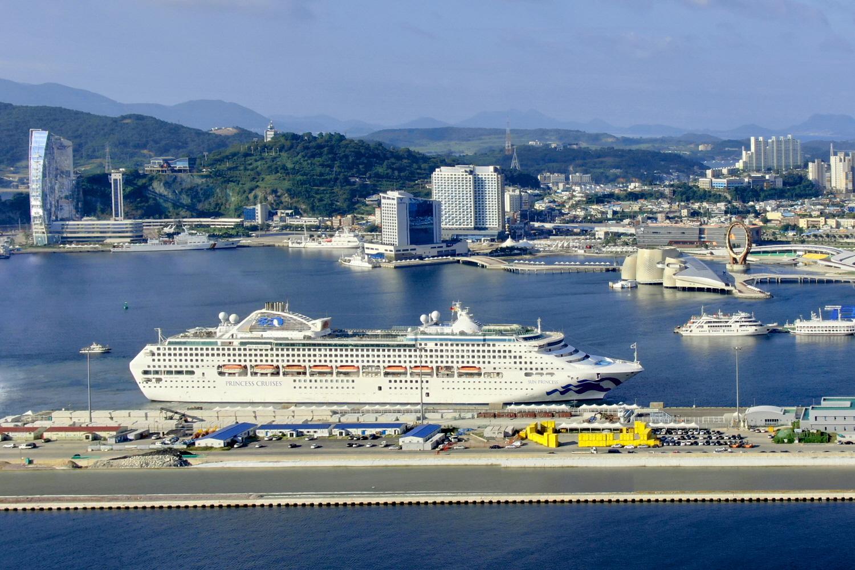7만 7천 톤급 국제 크르주 썬프린세스호 여수 방문