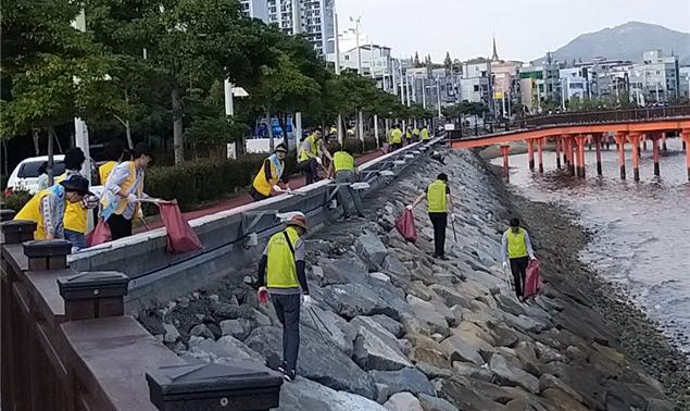여수해수청, 여자만 바닷가 쓰레기 정화활동