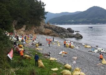 여수시, 바다의 날 기념 '해안가 청결 활동' 펼쳐